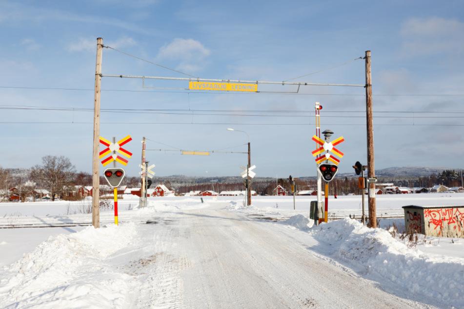 Wäre der Bahnübergang doch bloß so gut gesichert gewesen wie hier (Symbolbild).