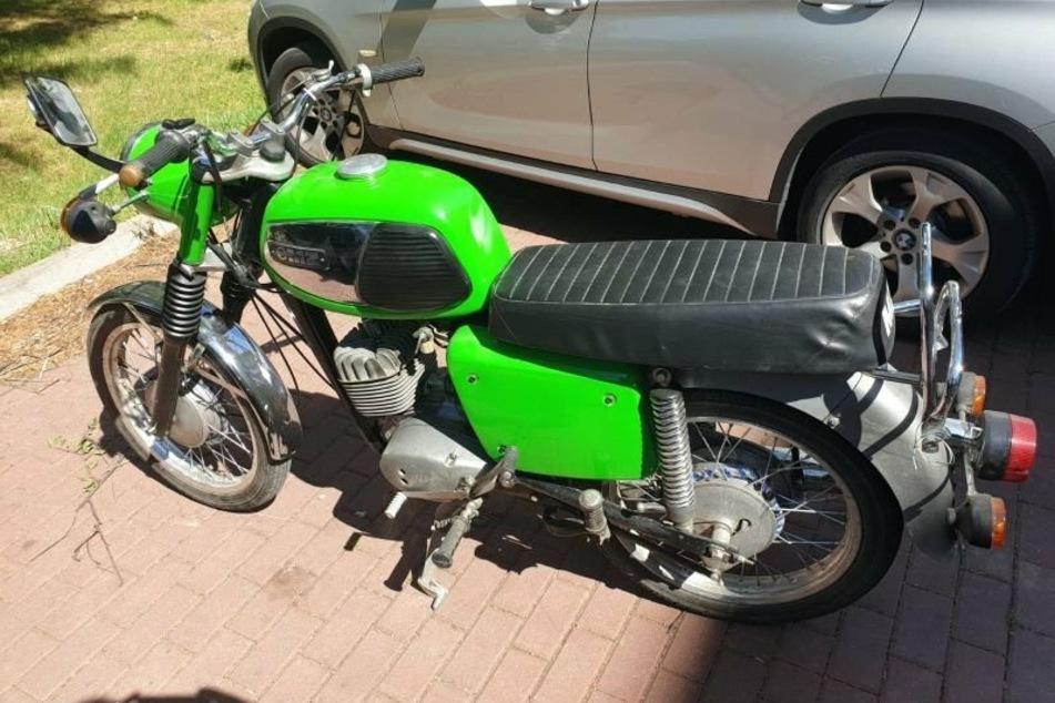Dieses Motorrad der Marke MZ wurde Ende Juni aus einer Garage in Hirschfelde entwendet.