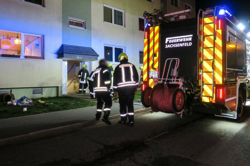 Feuerwehreinsatz im Erzgebirge: 70-Jähriger zündelt in Wohnung