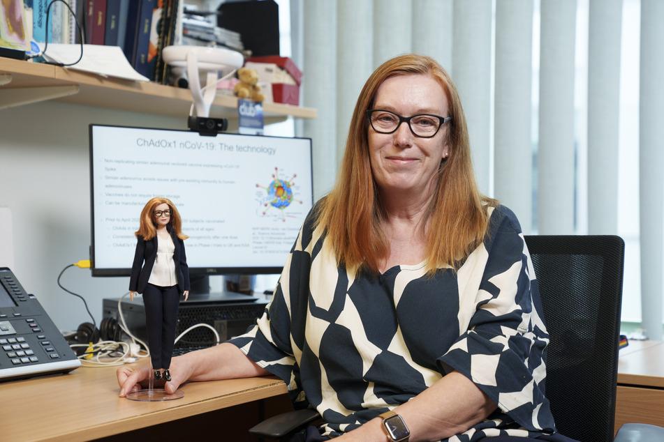 """Der Spielzeug-Hersteller """"Mattel"""" hat eine neue Puppe zu Ehren der Impfstoff-Entwicklerin Sarah Gilbert (59) entwickelt."""