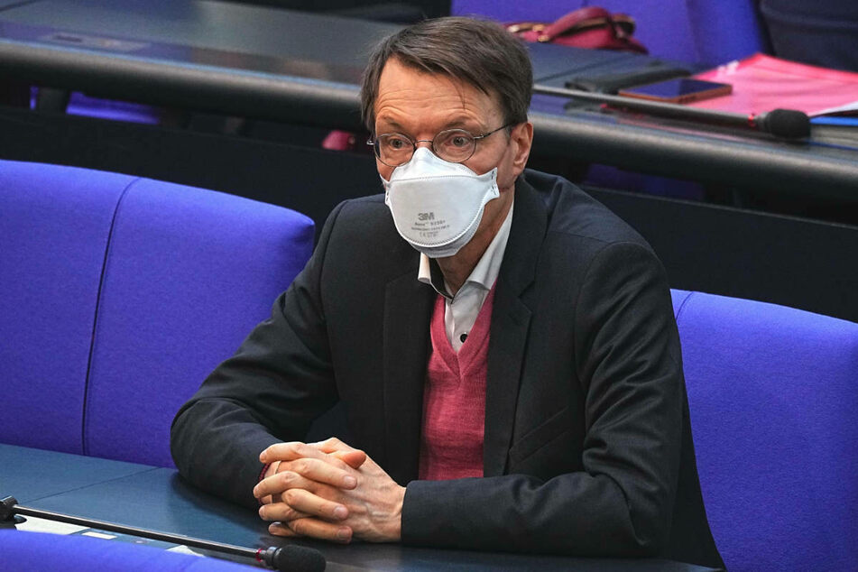 Karl Lauterbach hat wegen seiner vorsichtigen Haltung in der Corona-Krise Hassbriefe und Drohmails bekommen.