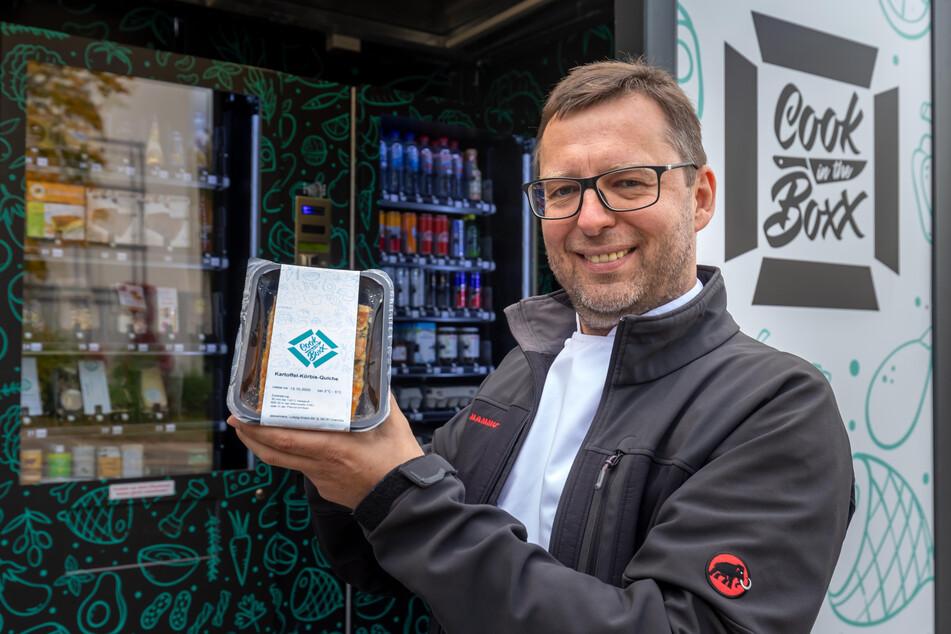 Alexxanders-Chef Roland Keilholz (47) wählte den Standort auf dem Kapellenberg, weil es hier kaum Einkaufsmöglichkeiten gibt.