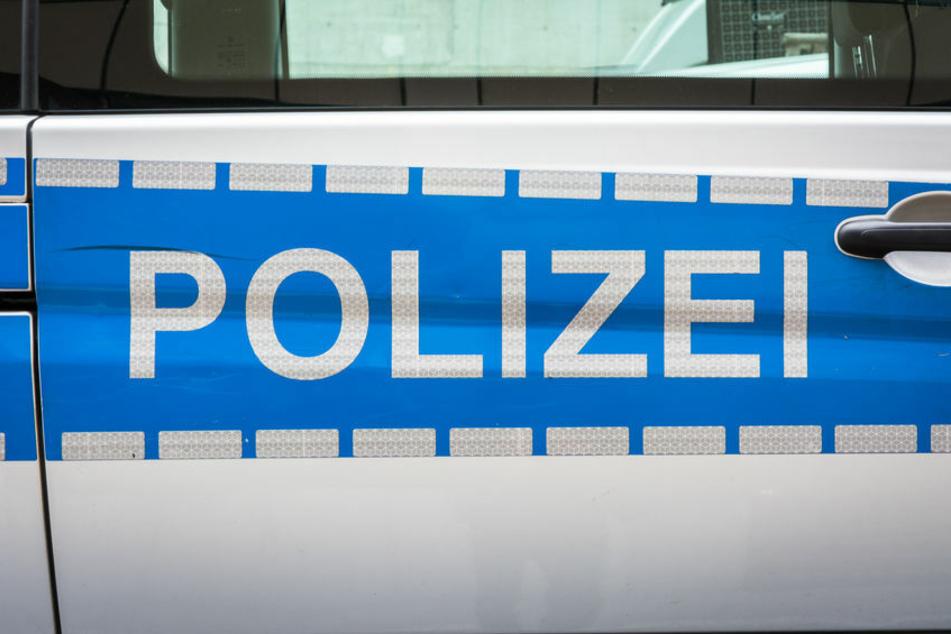 Twitter-Nutzer kritisieren die Polizisten scharf.