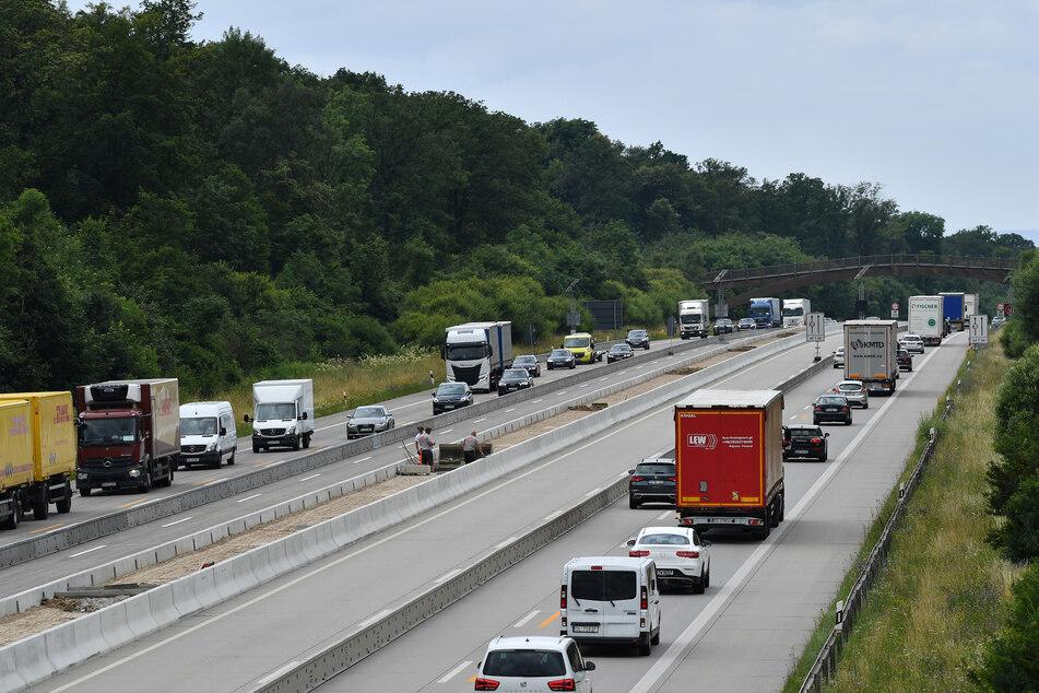 Zum Ferienstart werden in Thüringen volle Autobahnen erwartet. Es kann zu Staus kommen.