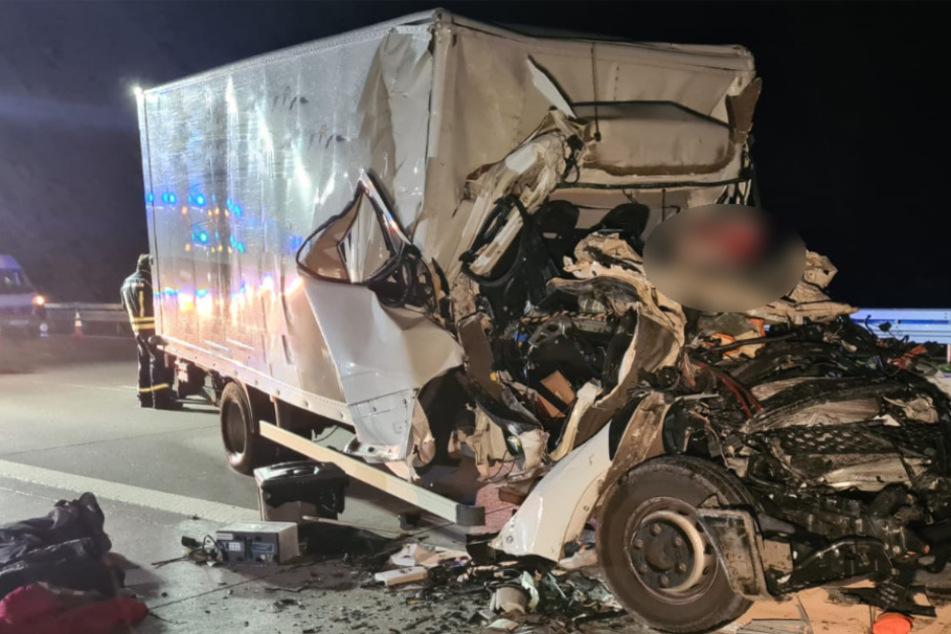 Lkw-Fahrer stirbt bei Unfall auf A2, dann folgt der nächste Horror-Crash