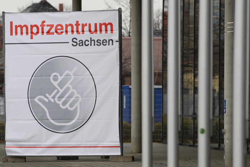 """Das """"Impfzentrum Sachsen"""" befindet sich in der Messe Dresden. Am 11. Januar war der offizielle Start der Impfzentren in Sachsen."""