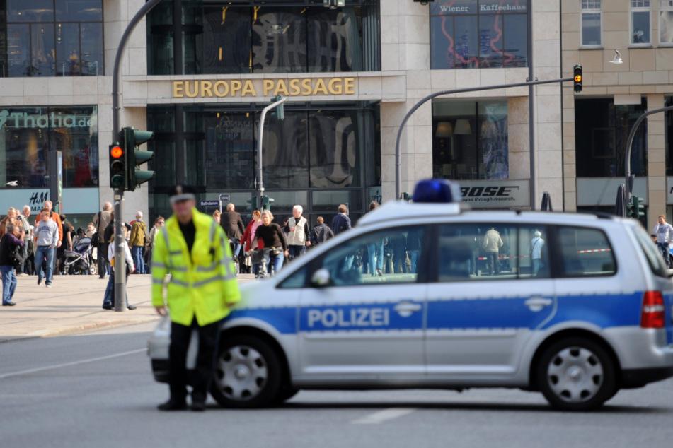 Entführung mitten in der Hamburger Innenstadt? Zeugen gesucht!