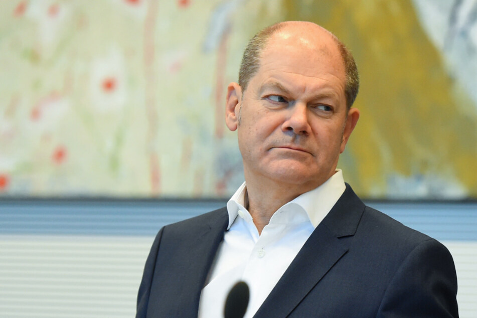 Bundesfinanzminister Olaf Scholz (SPD) will rund 2500 hoch verschuldete Kommunen entlasten. (Archiv)