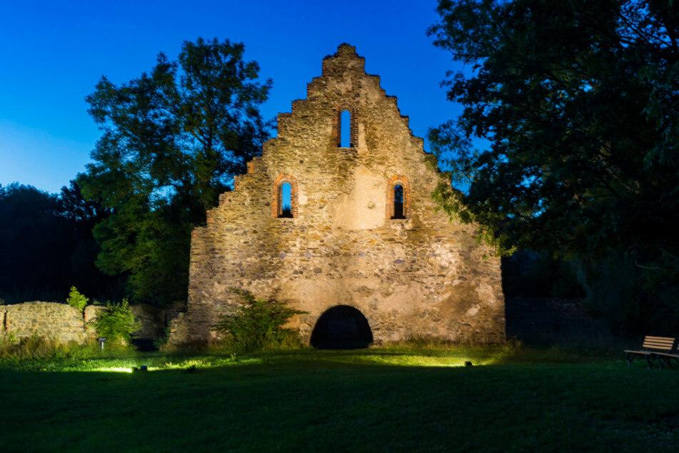 Die ehemalige Zisterzienserabtei Marienzell, heute Altzella, galt im Mittelalter als bedeutendstes Kloster in Mittelsachsen. 1162 wurde das Kloster vom damaligen Markgrafen Otto dem Reichen als Grablege seiner Familie gestiftet.
