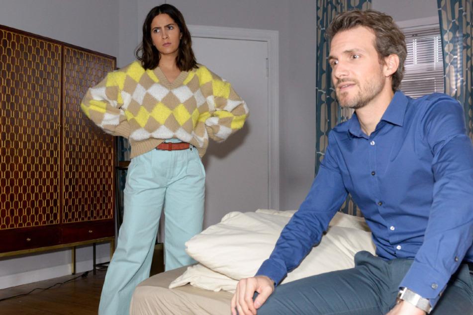 In ihrer Wut auf Gerner und Katrin lässt sich Laura (l., Chryssanthi Kavazi) von Felix (Thaddäus Meilinger) nicht beruhigen.