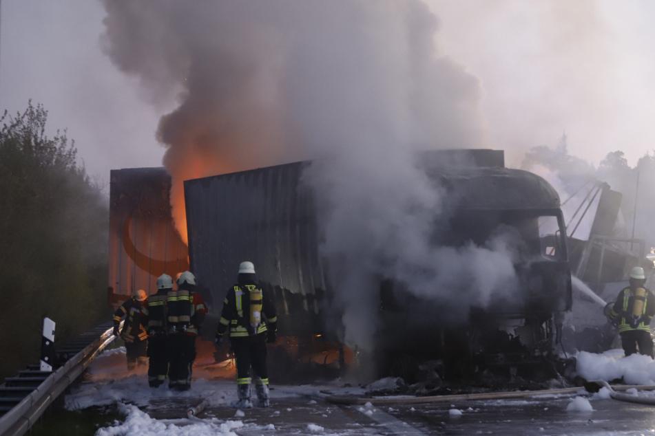 A7 bleibt nach Lkw-Unfällen weiterhin gesperrt