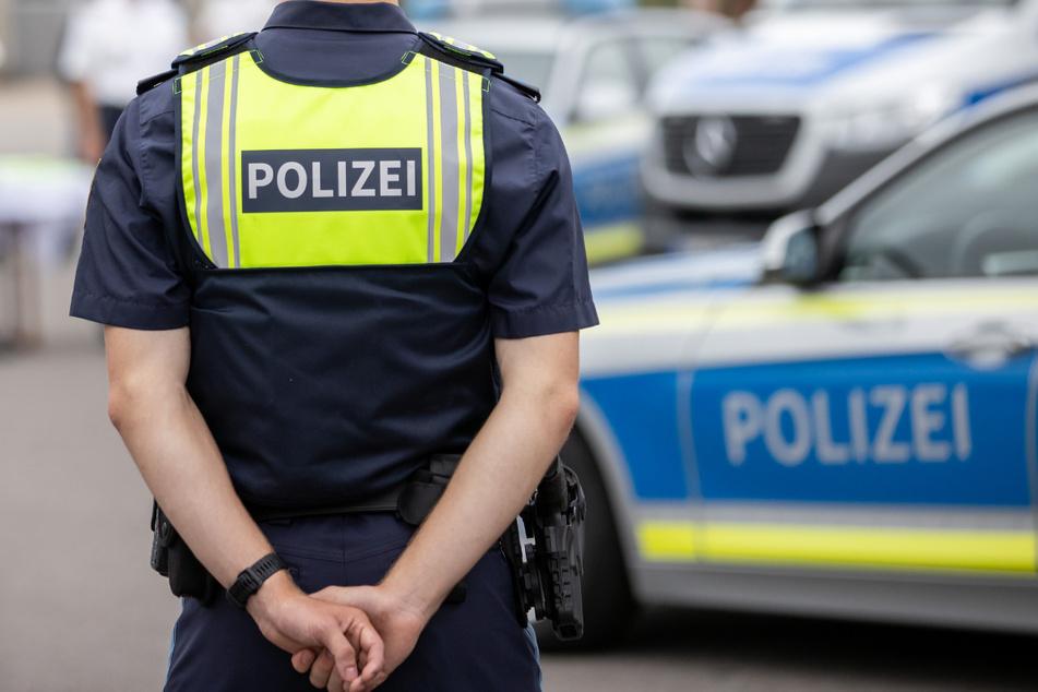 Der Tatverdächtige stellte sich bei der Polizei und wurde festgenommen. (Symbolbild)
