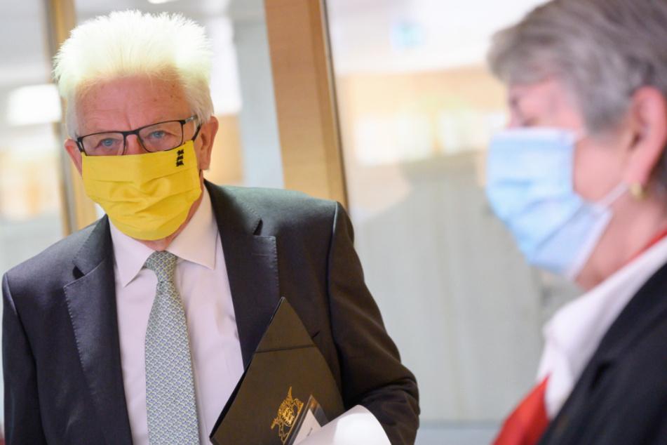 Landtag empfiehlt Abgeordneten Masken zu tragen, doch eine Pflicht ist es nicht