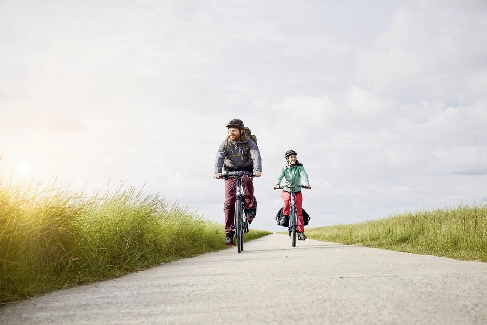 Radfahren liegt im Trend. Sowohl im Alltag als auch in den Ferien nutzen immer mehr Menschen Drahtesel, um mobil zu sein. Insgesamt gibt es nach Schätzung der Industrie in Deutschland inklusive Elektrorädern 79 Millionen Fahrräder, fast so viele wie Einwohner.