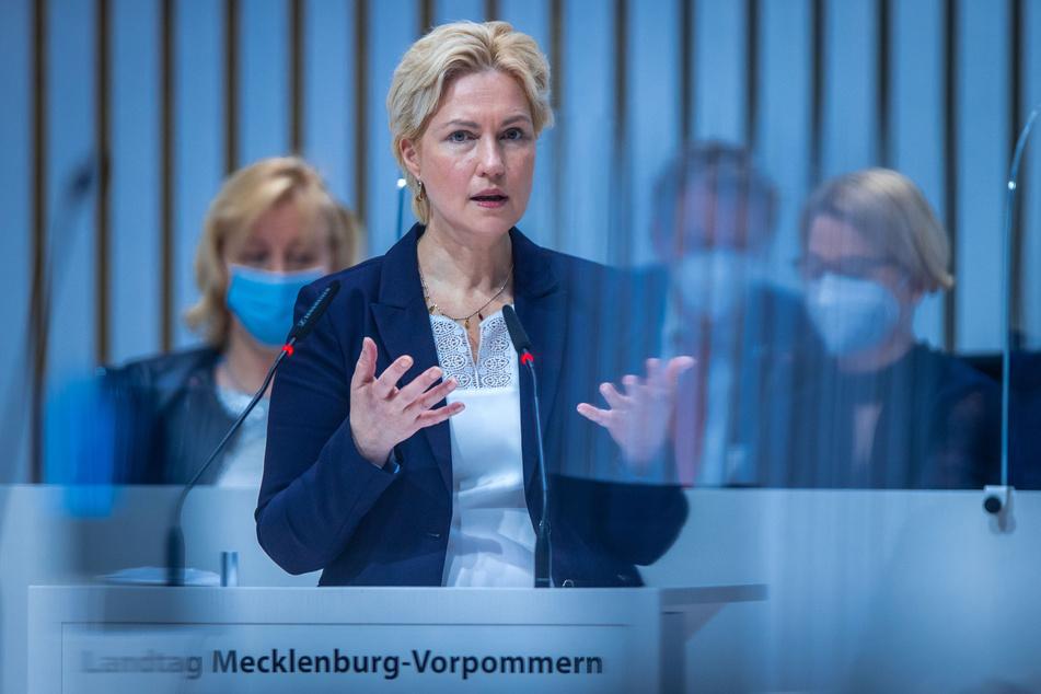 Manuela Schwesig (46, SPD) spricht bei der Sitzung des Landtags von Mecklenburg-Vorpommern. (Archivbild)