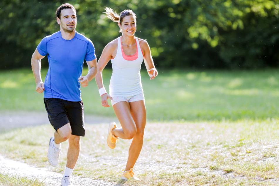 In den kühleren frühen Morgenstunden lässt es sich deutlich angenehmer Sport treiben als in der Mittags- und Nachmittagshitze.