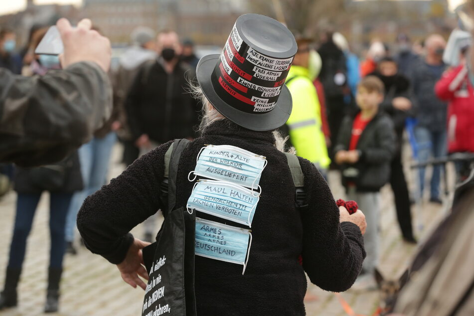 """Schon am vergangenen Wochenende haben Anhänger der Initiative """"Querdenken 211"""" in Düsseldorf demonstriert."""
