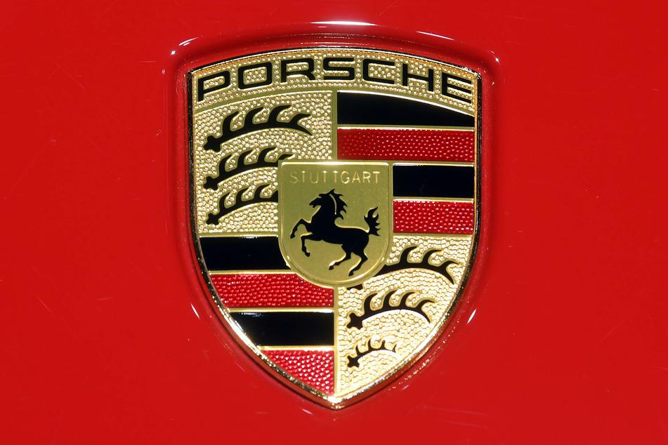 Die Luxusmarke Porsche ist eine der gefragtesten Hersteller für Premium-Sportwagen. (Foto: Uli Deck/dpa)