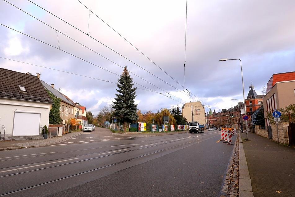 Der Unbekannte hatte die Passanten an der Leipziger Straße/Pettenkoferstraße bedroht.