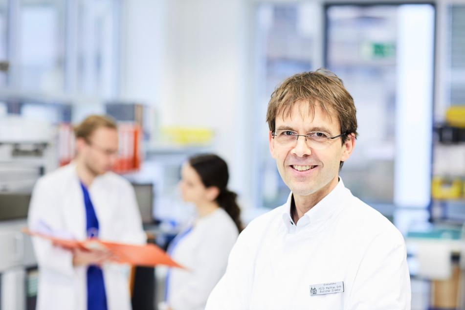 Priv.-Doz. Dr. Matthias Orth ist Vorstandsmitglied im Berufsverband Deutscher Laborärzte und Chefarzt des Instituts für Laboratoriumsmedizin am Marienhospital in Stuttgart.