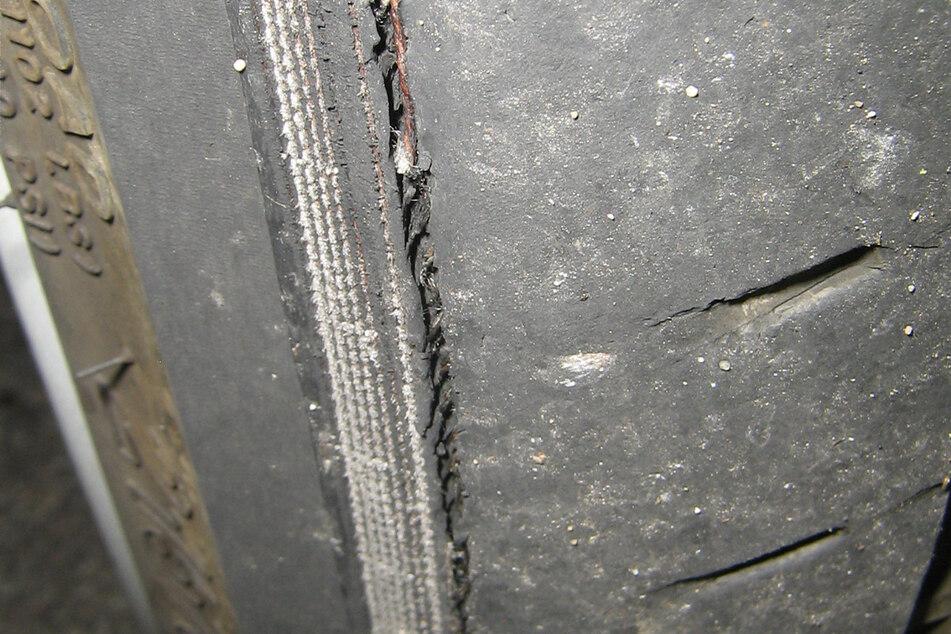 Deutliche Spuren im Reifen.