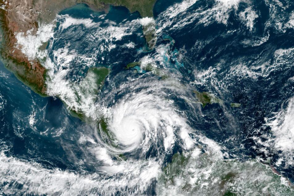 """Auf diesem von der NASA zur Verfügung gestellten Bild ist Hurrikan """"Iota"""" über Mittelamerika zu sehen."""