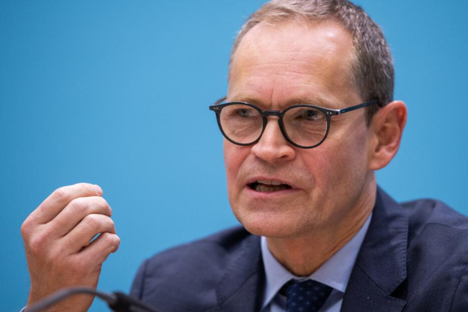 Berlins Regierender Bürgermeister schließt weitere Einschränkungen nach Weihnachten nicht aus.
