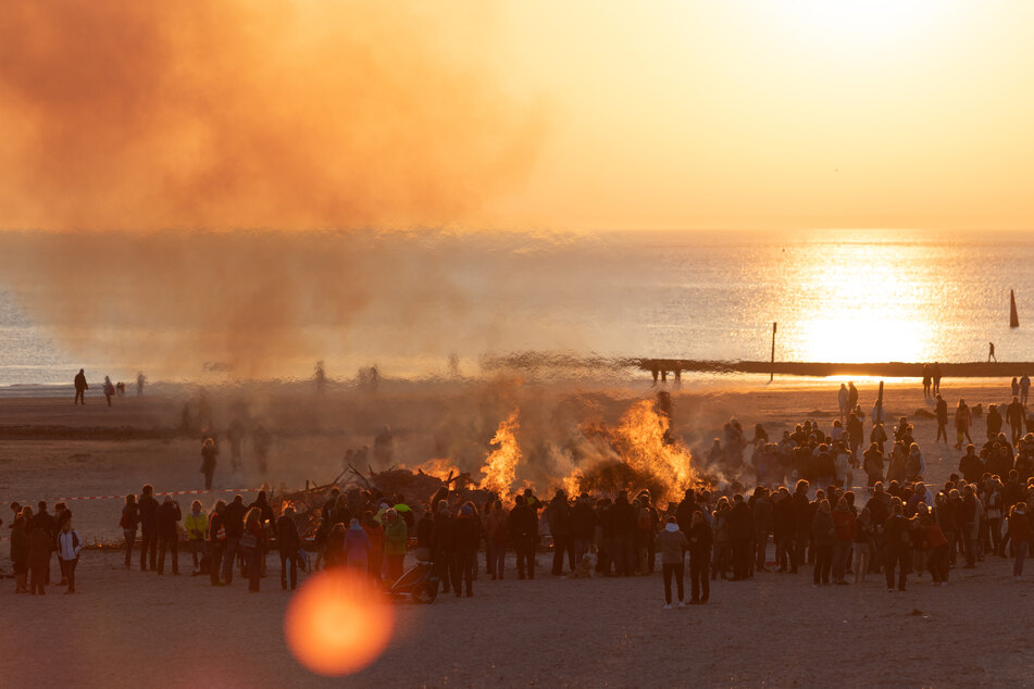 Ungewissheit um Tradition: Dürfen Osterfeuer dieses Jahr brennen?