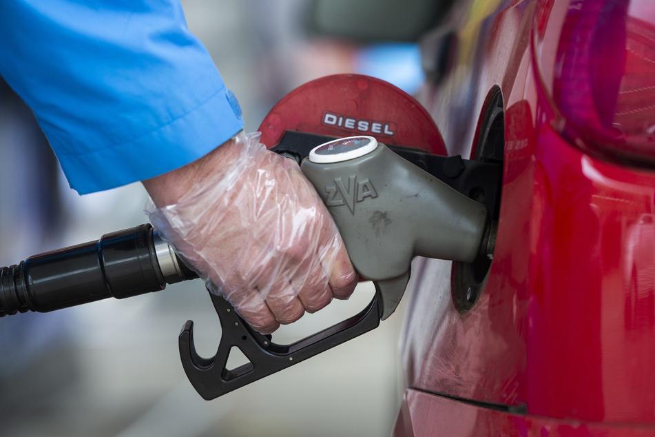 Vor allem Benzin und Diesel ist nach den sehr niedrigen Preisen aus dem Vorjahr jetzt wieder deutlich teurer geworden.