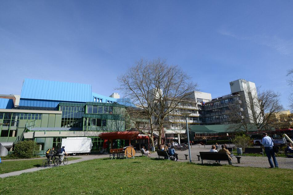 Die Außenaufnahme zeigt die Universität in Konstanz am Bodensee.