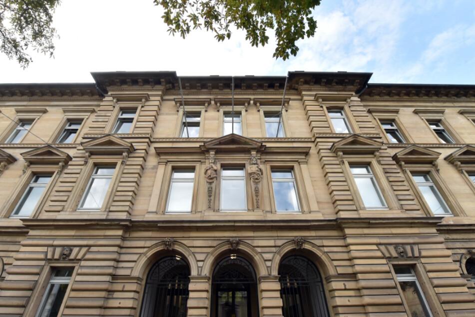 Vor dem Landgericht Karlsruhe wird verhandelt.