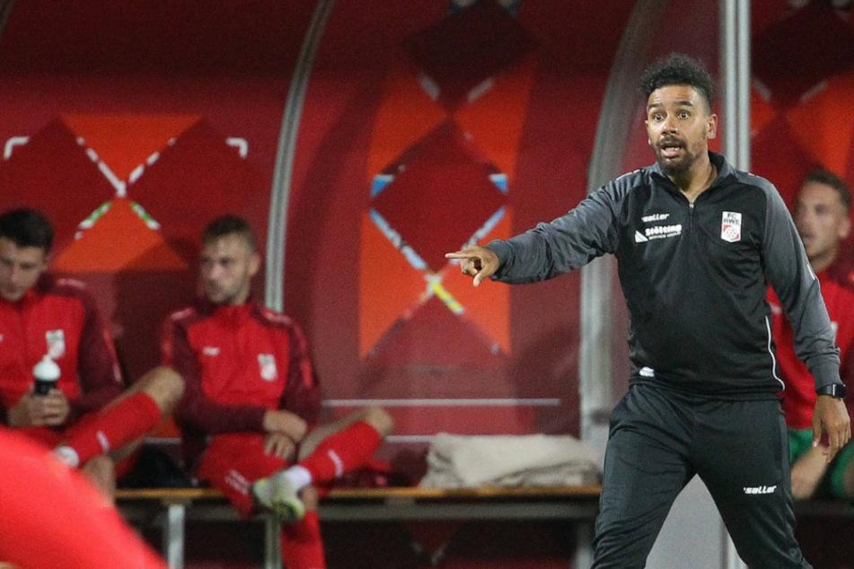 RWE-Trainer Manuel Rost und seine Mannschaft müssen pausieren. Grund dafür sind mehrere Corona-Fälle innerhalb der Mannschaft.