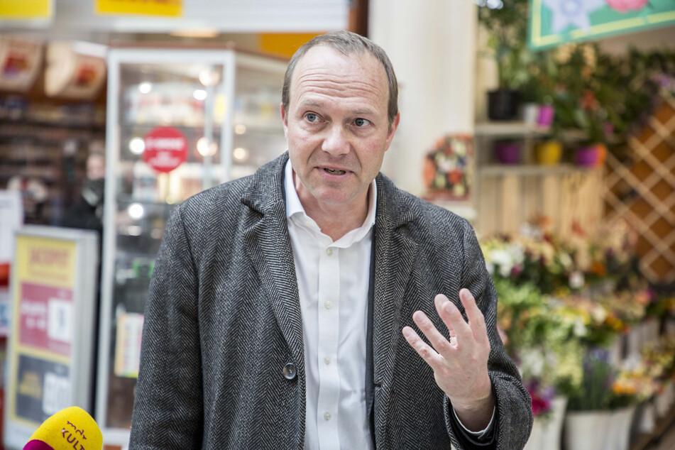 Umweltminister Wolfram Günther (46) möchte die Flussperlmuscheln im Vogtland retten.