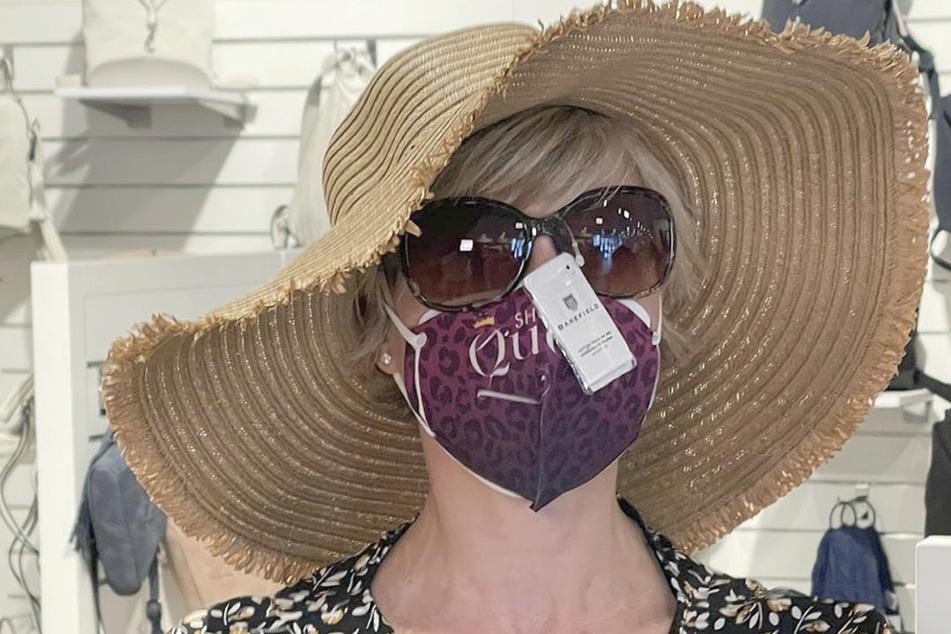 Mit diesem Hut will Carmen die Konkurrenz und Star-Designer Guido Maria Kretschmer um den Finger wickeln.