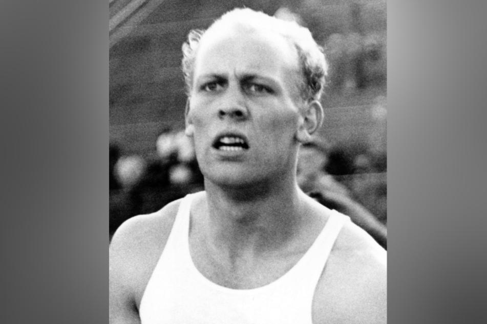 1963, Niedersachsen, Hannover: Der Zehnkämpfer Willi Holdorf stellte bei den deutschen Meisterschaften in Hannover mit 8085 Punkten einen neuen deutschen Rekord auf. (Archivbild)