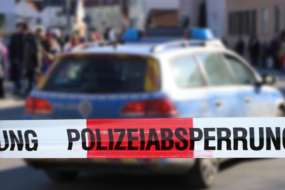 Zeugen melden bewaffnete und schießende Menschengruppe: Als Polizei eintrifft, ist alles ganz anders