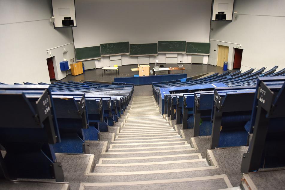 Ein leerer Hörsaal der Ruhr-Universität Bochum.