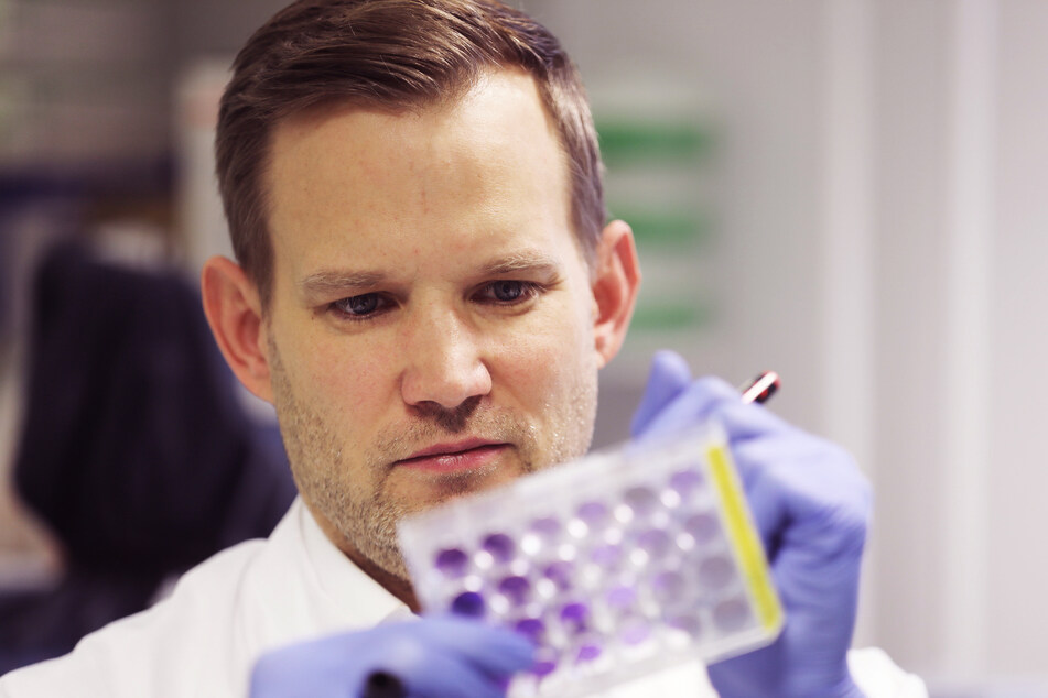 "Virologe Hendrik Streeck (43) hat ein Buch zur Corona-Pandemie geschrieben: ""Hotspot""."