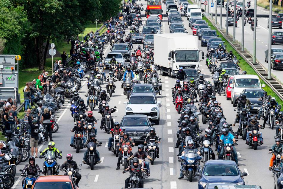 Fahrverbote für Motorradfahrer? Bayern stellt sich gegen den Bund