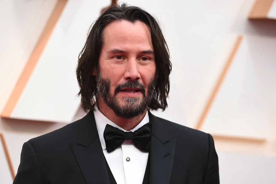 """Keanu Reeves (56) bei der Oscar-Verleihung 2020. Der Hollywood-Star stand gemeinsam mit Max Riemelt für """"Matrix 4"""" im Studio Babelsberg vor der Kamera."""
