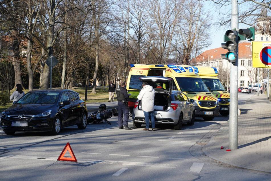 Die Unfallstelle wurde von der Feuerwehr gesichert.