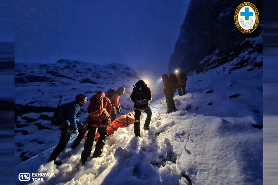 An der Rettung von fünf deutschen Touristen waren mehr als 40 Helfer beteiligt.