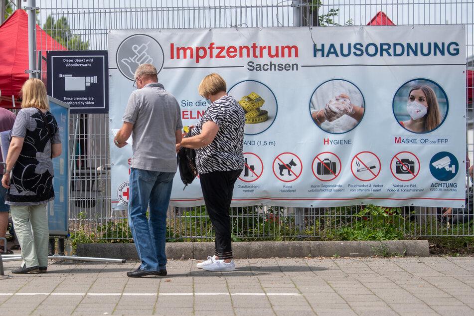 Bis Ende September schließen 13 sächsische Impfzentren ihre Tore, darunter auch das in Leipzig. (Symbolbild)