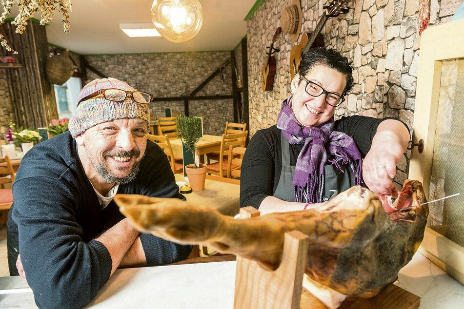Bei Beatriz (48) und Kai (48) Hetzke gibt's jetzt Tapas und andere Gerichte der spanischen Küche mitten in Königstein.