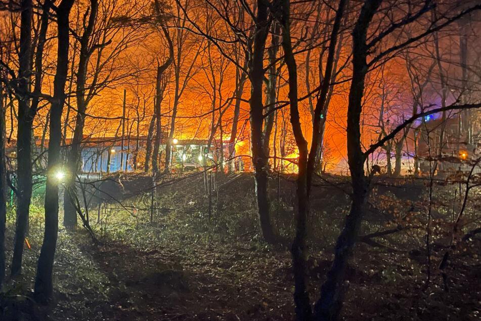 Asyl-Unterkunft abgebrannt: Frau verletzt im Krankenhaus