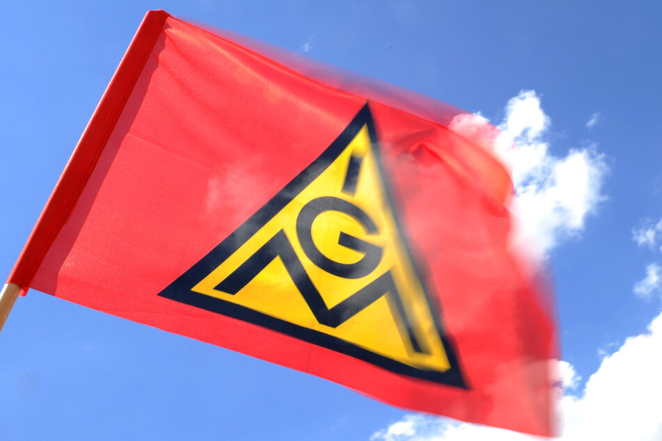 Die IG Metall fordert mehr Geld für die Beschäftigten der für holz- und kunststoffverarbeitenden Industrie in Sachsen.