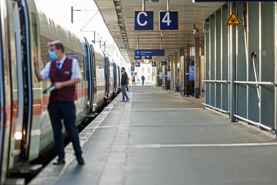 Bis Dienstag fahren kaum Züge durch Deutschland. Die Bahn wird bestreikt. (Symbolbild)