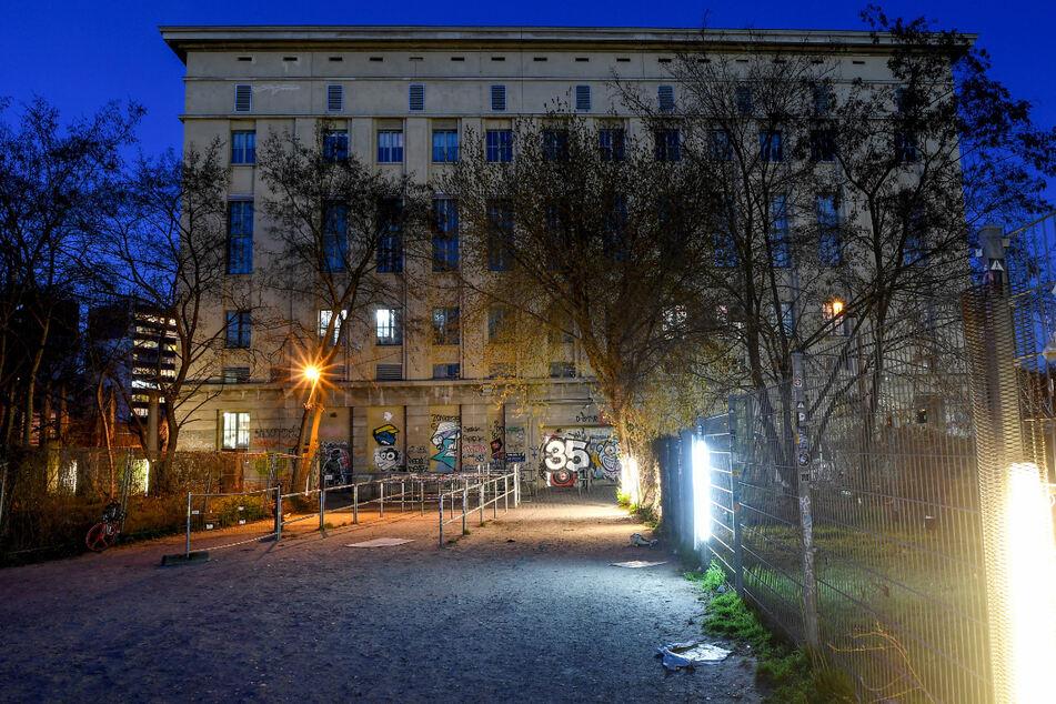 Der verlassene Eingangsbereich zum Club Berghain. Der Techno-Club ist in Zeiten der Corona-Pandemie geschlossen.