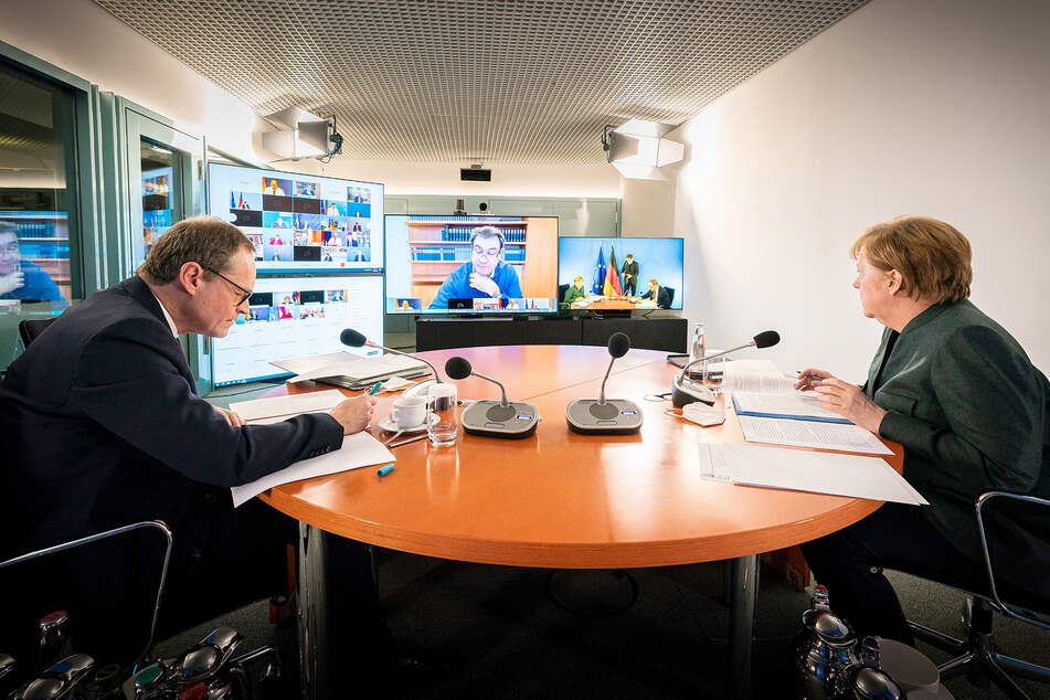 Bund-Länder-Beratungen dauern weiter an: Streit um Schulen Grund für spätes Ende!