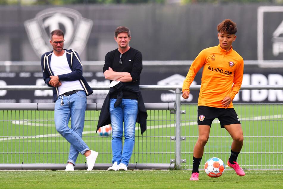 Sicherlich wird Ralf Becker (50, M.) auch beim Training dabei sein, um zu schauen, wie die Spieler auf die erste Niederlage reagieren.